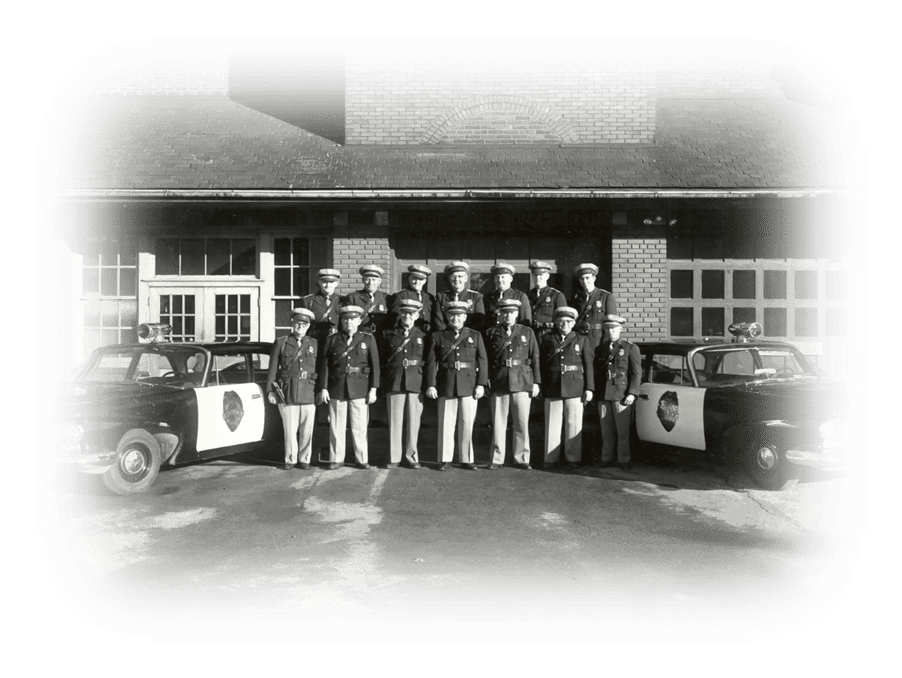 Image of early Moberly Police force in black and white